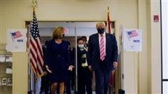 Tổng thống Donald Trump đi bỏ phiếu sớm