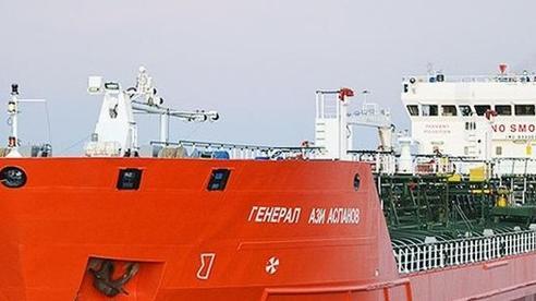 Tàu chở dầu của Nga bất ngờ phát nổ, bốc cháy ở biển Azov
