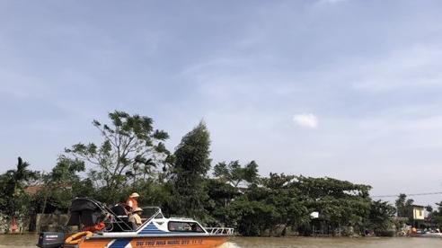 Sẵn sàng về nhân lực, phương tiện, hàng dự trữ quốc gia ứng phó với bão lũ