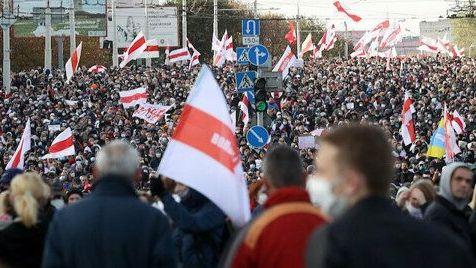 Tình hình Belarus: Xuất hiện những tiếng súng ở biểu tình, thủ lĩnh đối lập tuyên bố tổng bãi công toàn quốc