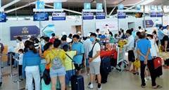 Khách bay nội địa dần phục hồi, quốc tế vẫn giảm gần 99%