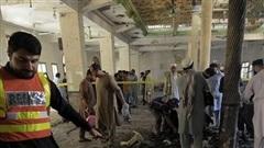 Video: Hiện trường ngổn ngang vụ đánh bom trường học Pakistan, hơn 100 người thương vong