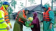 Khẩn cấp xuất 1.000 tấn gạo cứu trợ người dân vùng bão lũ