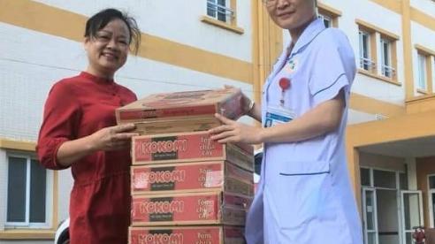 Bệnh viện và nhân dân Uông Bí chia sẻ khó khăn với BV Hữu nghị Việt Nam Cu Ba Đồng Hới