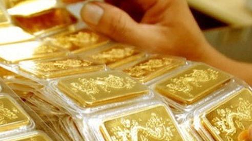 Chênh lệch giá mua - bán vàng SJC còn 300 nghìn đồng/lượng