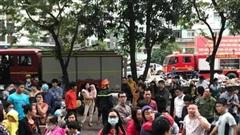 Dập tắt đám cháy tại tầng 33 chung cư HH1B Linh Đàm