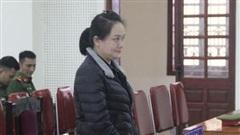 Người đàn bà lĩnh 15 năm tù vì giấu ma túy trong băng vệ sinh