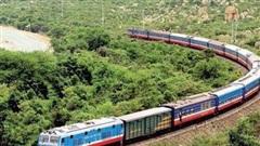 Tạm ngừng nhiều chuyến tàu Bắc - Nam do ảnh hưởng của bão số 9