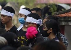Nữ sinh học viện Ngân hàng bị sát hại: Nghẹn ngào đám tang 'kẻ tóc bạc tiễn người đầu xanh'