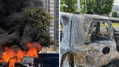 Xe sang Mercedes GL450 bốc cháy trơ khung trong khu đô thị ở Hà Nội