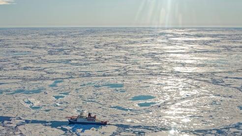 Khối khí methane khổng lồ 'ngủ say' dưới Bắc Cực bắt đầu phát thải