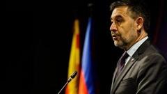 Hai tháng sau ồn ào với Messi, Chủ tịch Barca tuyên bố từ chức