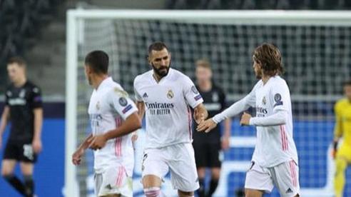 Real chết hụt trên đất Đức, Liverpool, Man City cùng giành 3 điểm