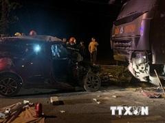 Bắc Kạn: Xe ôtô con lao thẳng vào đầu xe tải khiến 2 người tử vong