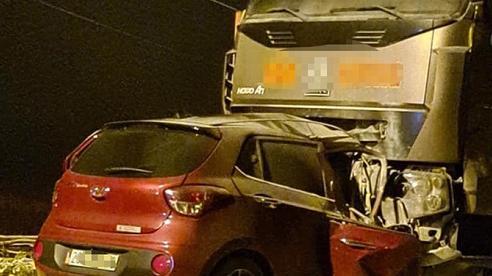 Bắc Kạn: Ô tô con va chạm xe tải, 2 người tử vong