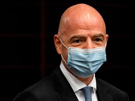 Chủ tịch FIFA Gianni Infantino dương tính với virus SARS-CoV-2
