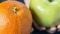 Đặt cam - táo lên 'bàn cân': Vì sao 'một quả táo mỗi ngày giúp tránh xa bác sĩ' nhưng có chuyên gia vẫn chọn cam?