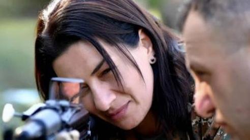 Chiến sự Nagorno-Karabakh: Phu nhân thủ tướng Armenia tuyên bố xuất trận, bảo vệ biên giới