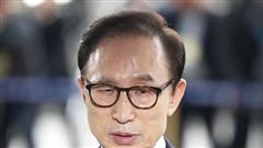 Cựu Tổng thống Hàn Quốc Lee Myung-bak bị tuyên án 17 năm tù vì tham nhũng