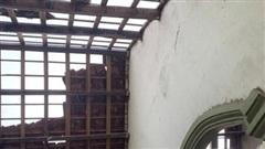 Mưa lớn kèm lốc xoáy, gần 40 ngôi nhà ở Hà Tĩnh bị tốc mái