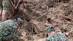 Vụ sạt lở ở Trà Leng: 'Làng chẳng còn, nhà sập, con cái bị vùi hết dưới đó rồi'