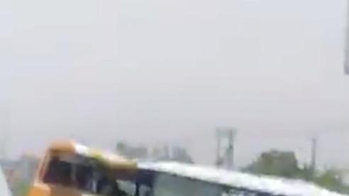 Nghệ An: 4 người thương vong sau vụ ô tô húc vào lan can
