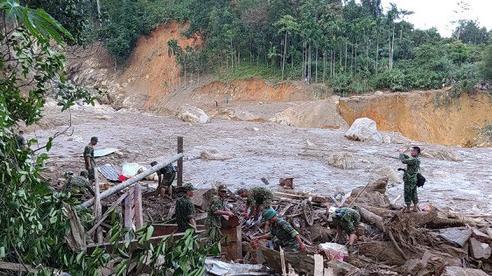 Quảng Nam: Nỗ lực tìm kiếm nạn nhân bị vùi lấp trong các vụ sạt lở
