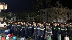 Huy động lực lượng, sử dụng chó nghiệp vụ và flycam tìm kiếm nạn nhân ở Trà Leng