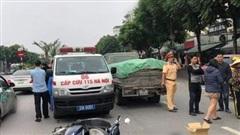 Va chạm giữa ô tô tải và xe đạp điện khiến thiếu nữ 15 tuổi tử vong