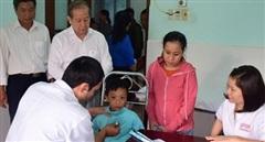 Hơn 3.000 người dân vùng ngập lụt được khám chữa bệnh, cấp thuốc miễn phí