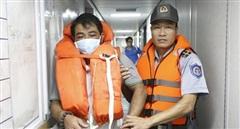 Hai ngày đêm trôi dạt trên biển, 3 ngư dân sống sót giữa cơn bão số 9