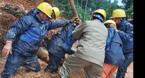 Điện lực Nghệ An, Hà Tĩnh  tập trung xử lý sự cố lưới điện