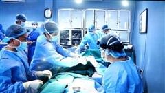 Bệnh viện Quân Y 103 thực hiện thành công ca ghép ruột đầu tiên tại Việt Nam