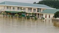Hà Tĩnh: Lo hồ Kẻ Gỗ xả lũ, di tán hàng nghìn dân