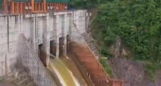 Đề nghị không mua điện của nhà máy thuỷ điện vi phạm xả lũ