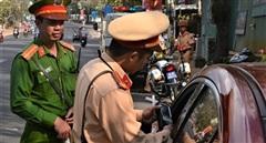 Hai 'ma men' cầm lái bị phạt hơn 70 triệu đồng