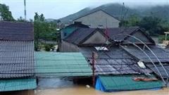 Nghệ An: 5 người chết và mất tích trong mưa lũ