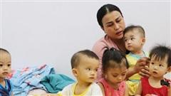 Người mẹ đặc biệt của những đứa trẻ bị cha mẹ ruột chối bỏ: 'Lỡ nhận làm con rồi, mình đâu nỡ đưa lại vô viện mồ côi'