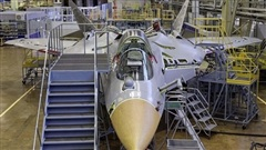Su-57 sản xuất hàng loạt thứ hai chính thức cất cánh