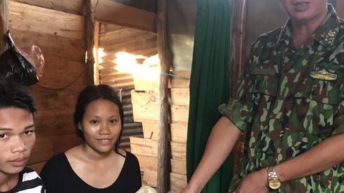Bé gái Vân Kiều bị tràng hoa quấn cổ ra đời trong bão lũ ở Quảng Trị đã xuất viện về nhà
