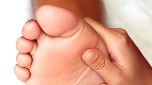 Chân thường xuyên lạnh bạn cần cảnh giác để đi khám