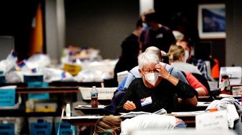 Bầu cử tổng thống Mỹ 2020: 'Đêm trắng' tại các cơ sở kiểm duyệt phiếu bầu