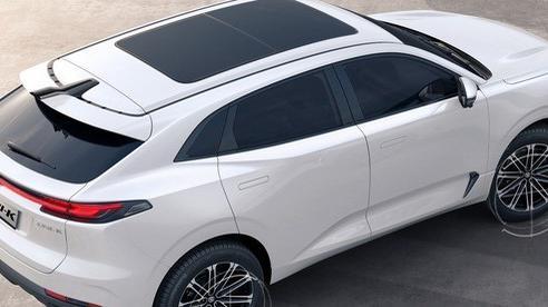 Soi mẫu ô tô Trung Quốc 'vay mượn' thiết kế từ châu Âu, giá 600 triệu chào khách