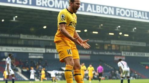 Kane tỏa sáng phút cuối với bàn thắng thứ 150 ở NHA đưa Tottenham áp sát ngôi đầu