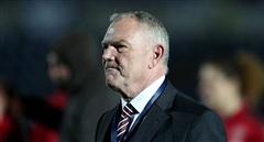 Chủ tịch Liên đoàn bóng đá Anh từ chức sau khi ... 'vạ miệng'