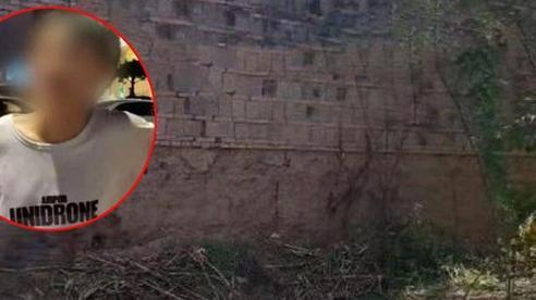 Thiếu niên 15 tuổi bị 6 người vây đánh và chôn sống trên bãi đất hoang