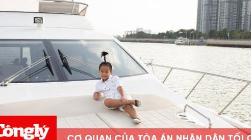 NTK Đỗ Mạnh Cường mừng sinh nhật con trai trên du thuyền