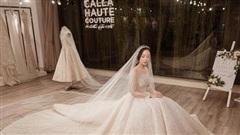 NTK Phương Linh ngỡ ngàng trước tác phẩm Calla Haute Couture do chính mình thiết kế