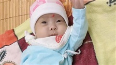 Kỳ tích y khoa và hành trình đầy 'phép nhiệm màu' của bé gái chào đời nặng chỉ gần... 5 lạng