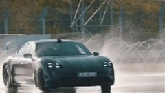 Porsche Taycan drift liên tục hơn 42km, lập kỷ lục thế giới